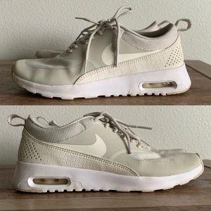 "Nike Air Max Thea in ""Bone"" Sneaker 🏃"